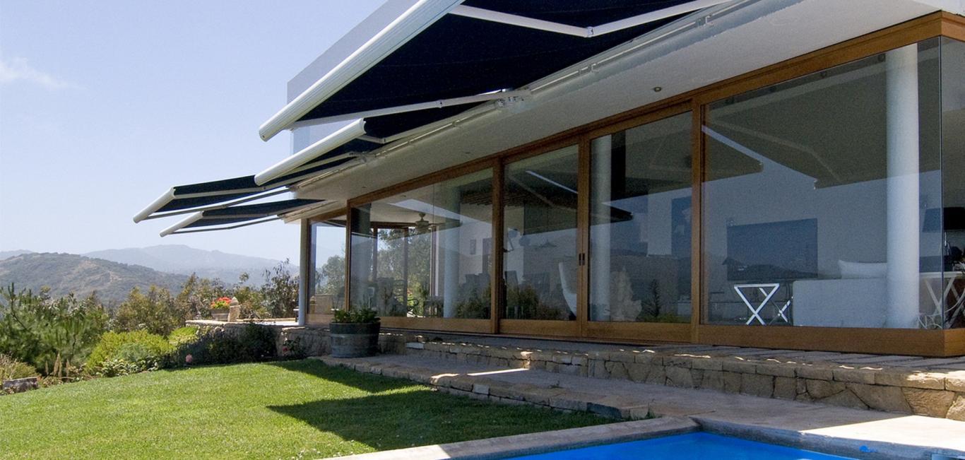 Toldo Braço Articulado Luxaflex® | Neo Interiores
