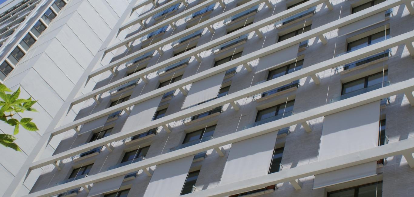 Toldo Vertical Luxaflex® | Neo Interiores