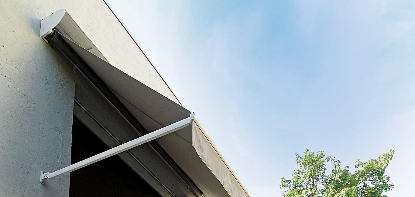 Toldo Braço Pivotante Luxaflex® | Neo Interiores
